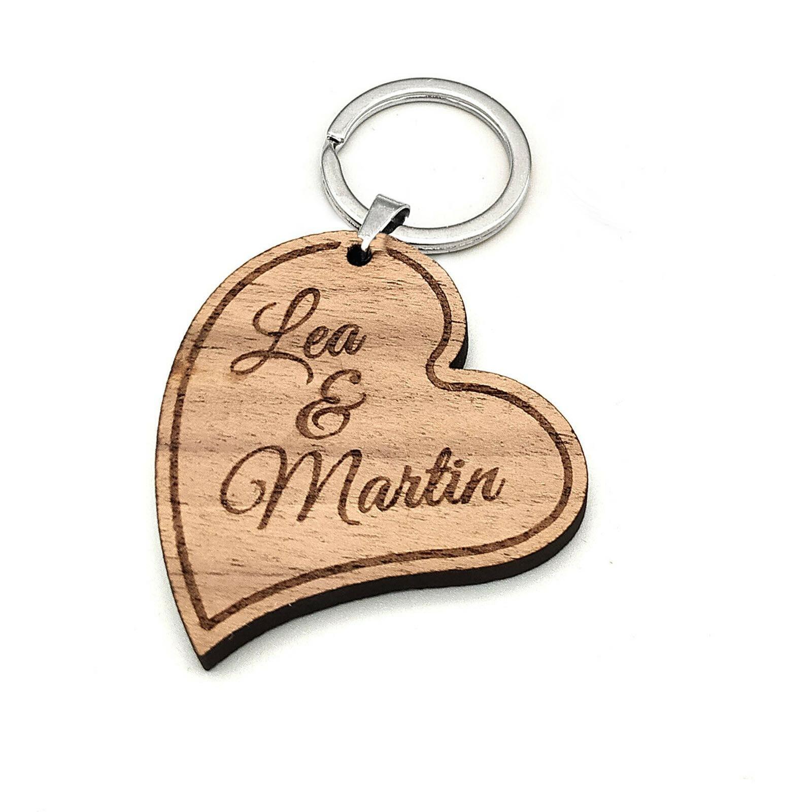 Herz Schlüsselanhänger aus Nussbaum Holz - mit Gravur - Geschenk Anhänger